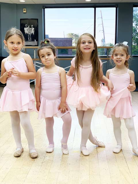 Kids in Kenner learning to dance during Ballet class.